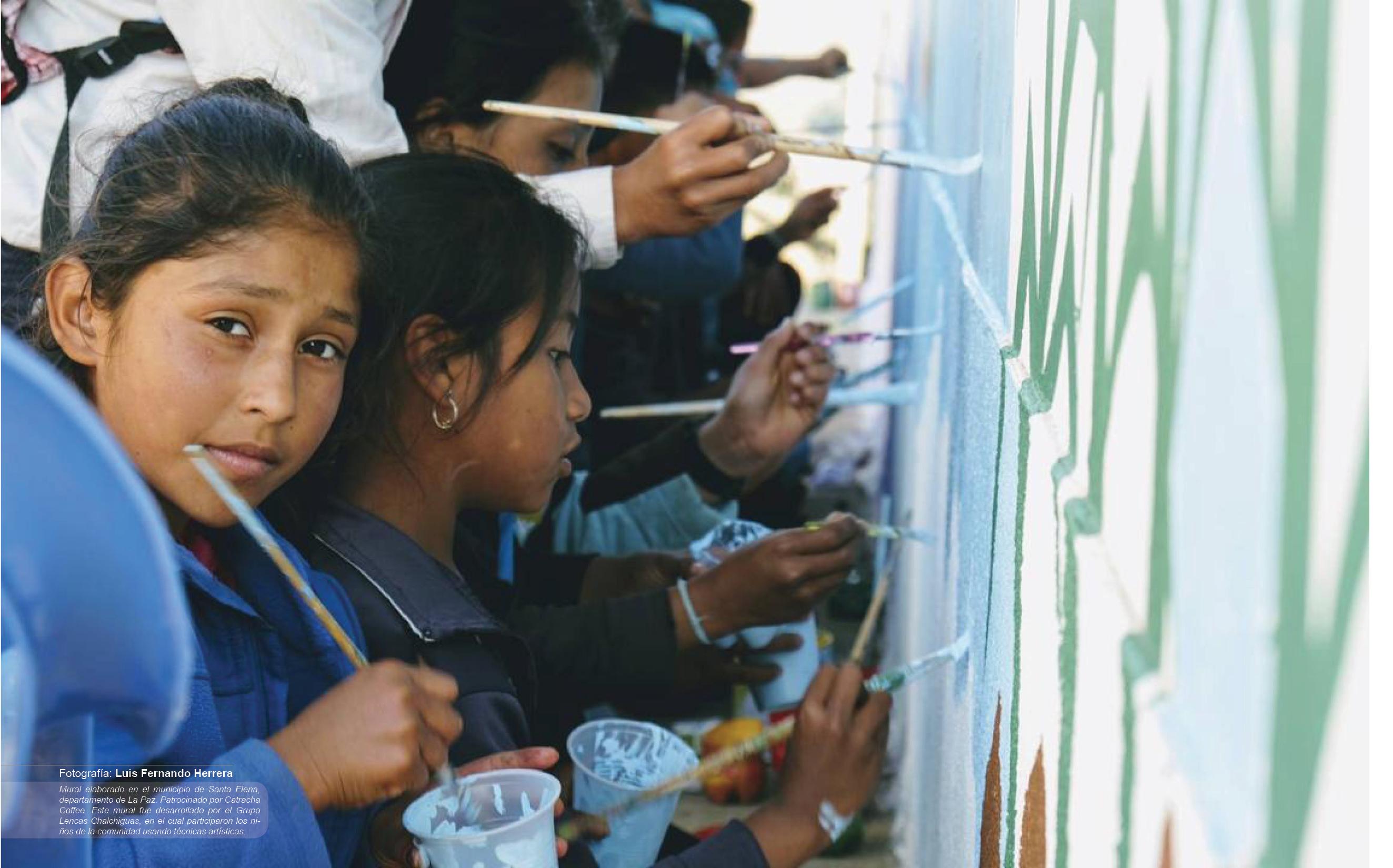 Mural elaborado en el municipio de Santa Elena, departamento de La Paz. Patrocinado por Catracha Coffee. Este mural fue desarrollado por el Grupo Lencas Chalchiguas, en el cual participaron los niños de la comunidad usando técnicas artísticas.